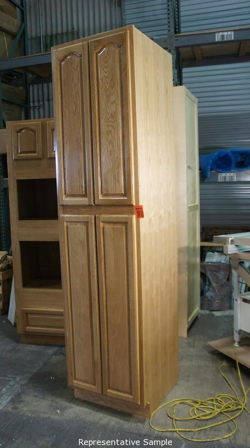 North State Auctions Auction Chico Kitchen And Bath Cabinet Warehouse Liquidation Item Oak