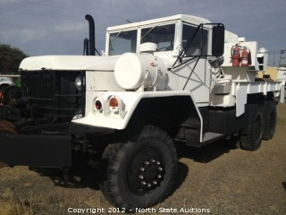 M817 Truck Wrecker, 5 Ton, 6x6 with Cummins 6-Cyl. Diesel 250hp and Front/Rear Winch and Wrecker Boom